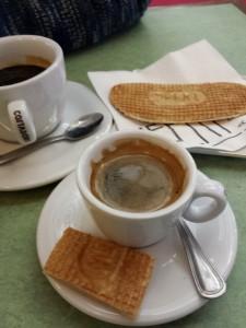 Un café à la Piscine...Avec sa gaufre Meert !