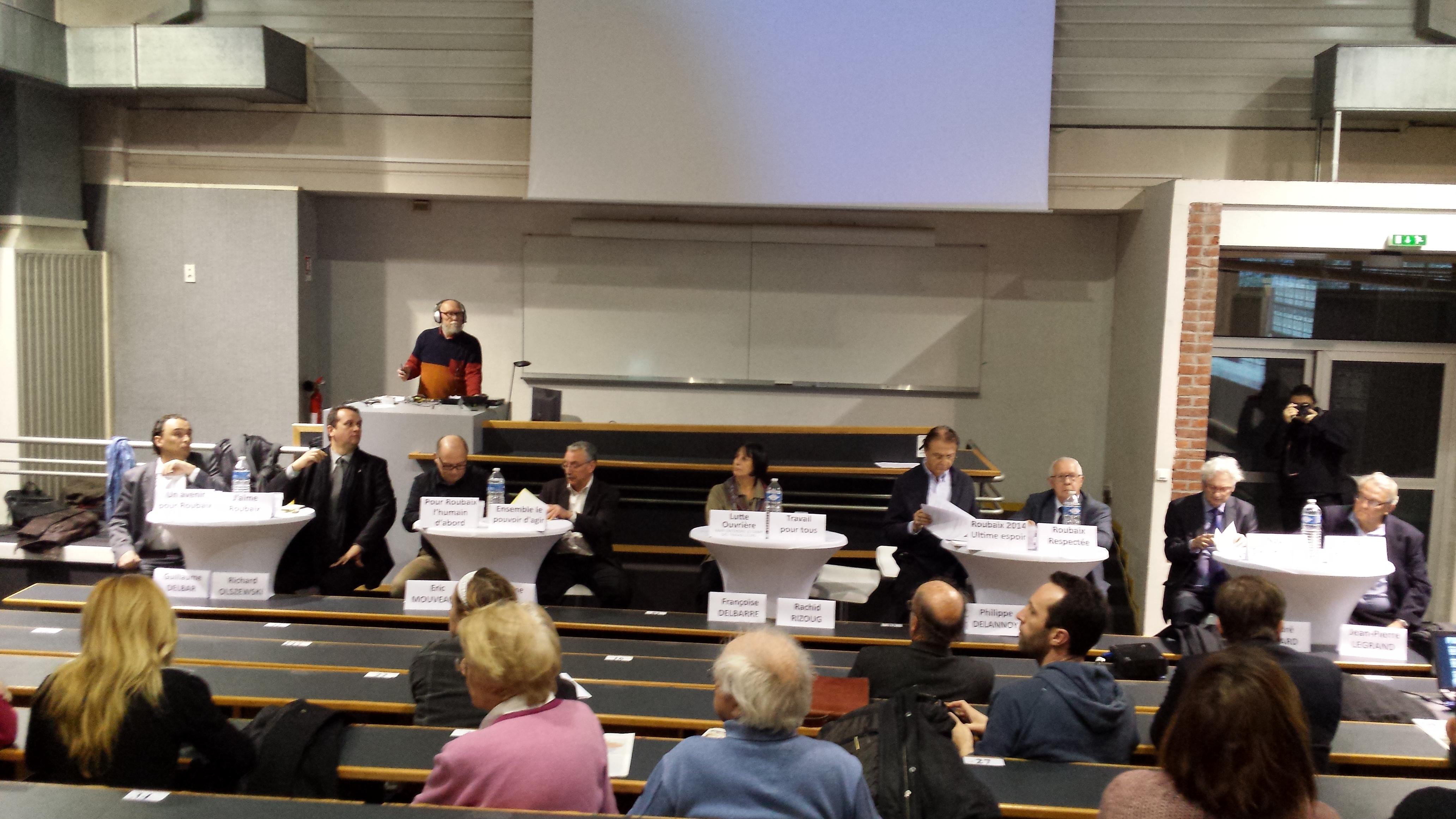 Le débat au grand amphi de l'IUP Infocom