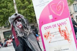 Zombie Walk Paris 2013, Don du Sang... (photo dvelec.com)