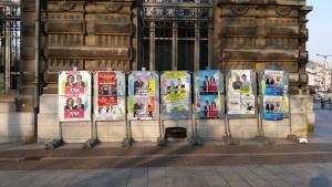 Les panneaux électoraux en question le lundi 16 matin.