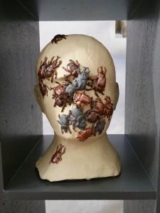 Une oeuvre en céramique de Sylvie Lytka, salon Objet Céramique et Textile