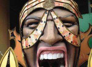les totems brésiliens de la Rambla de Renaissance